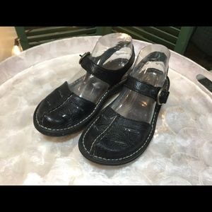Simple Tooled Black Leather Mary Janes